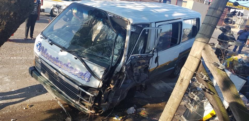 30728201_1910089362342982_1798183535593390080_n  Phoenix: Taxi Crashes Into Vendors 30728201 1910089362342982 1798183535593390080 n