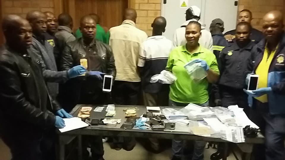 31301998_2271114229582173_2603570473077747590_n  Six suspects arrested for business robbery in Galeshewe. 31301998 2271114229582173 2603570473077747590 n