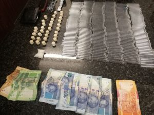Port Elizabeth Flying Squad arrest a suspect in possession of drugs Db ERLgXUAAmt9N 300x225