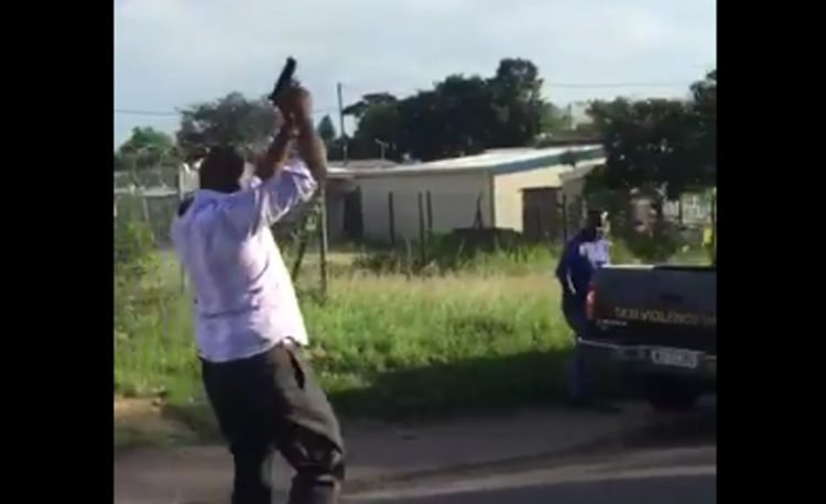 guns-in-public-750x458  SAPS: Police Arrested 3 Alleged Bodyguards for discharging their Firearms in Public guns in public 750x458