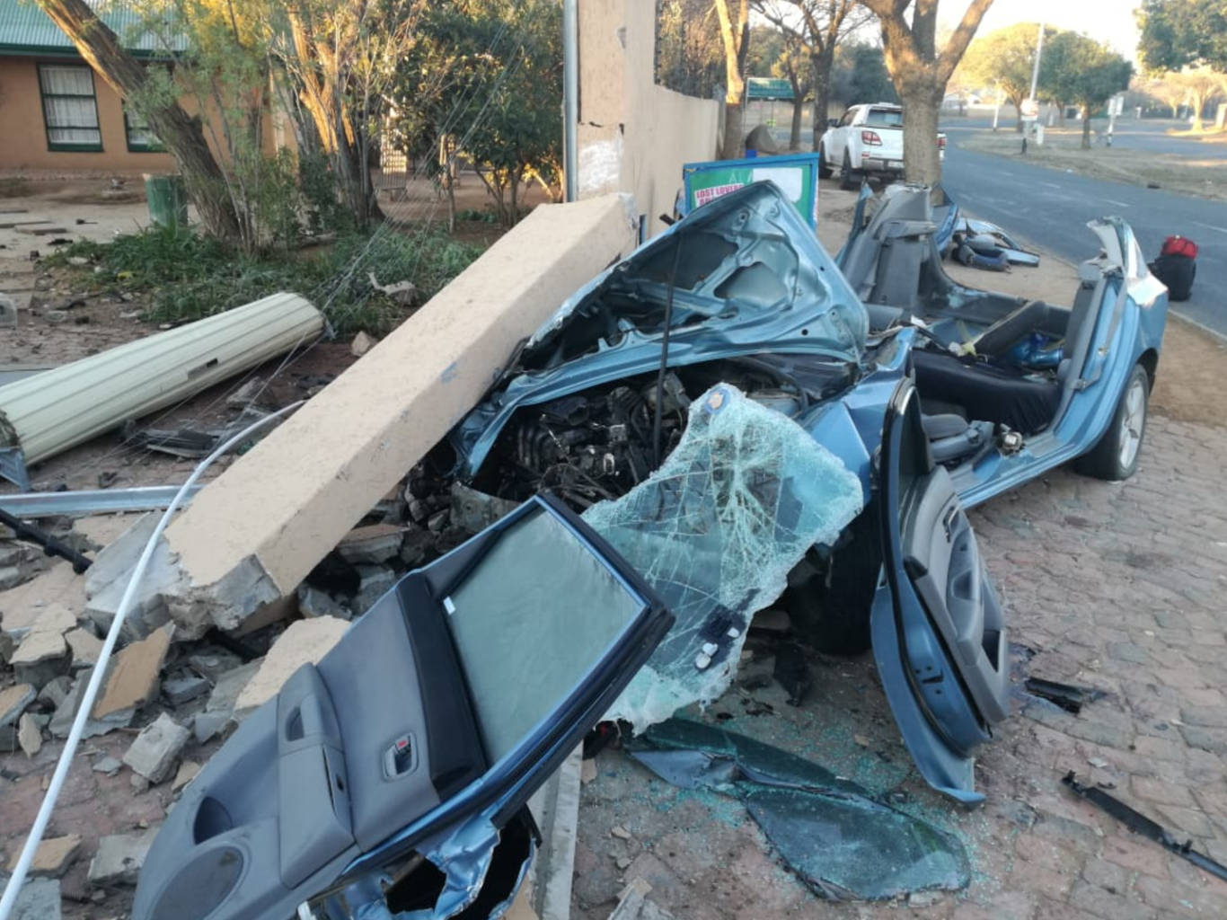 BLOEMFONTEIN-Car-crashes-into-wall-leaving-two-seriously-injured_  Car crashes into wall leaving two seriously injured on President Paul Kruger Avenue in Bloemfontein BLOEMFONTEIN Car crashes into wall leaving two seriously injured