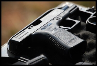 11  [FLORIDA GLEN] – Two injured in shooting incident. – ER24 11
