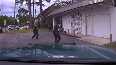 35630763_1599866270139722_4801201583507374080_n  Have to love cops who are empowered to deal with armed criminals the way armed c… 35630763 1599866270139722 4801201583507374080 n