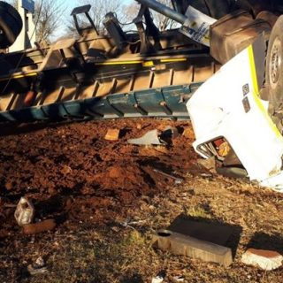 35887040_1810660992328590_9150699948960907264_o  Six people sustained minor to moderate injuries when a truck and three vehicles … 35887040 1810660992328590 9150699948960907264 o 320x320