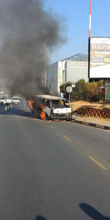 36355419_1825619324166090_8215931859226329088_o  Fortunately, no-one sustained any injuries following a  #taxi on fire on Jan Smu… 36355419 1825619324166090 8215931859226329088 o
