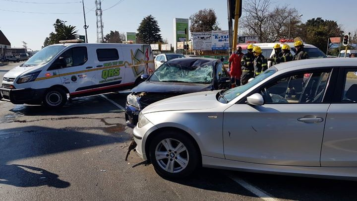 36425156_10155380646960759_7118476206525120512_o  At approximately 13:20 today QRS received another accident call in Randfontein f… 36425156 10155380646960759 7118476206525120512 o