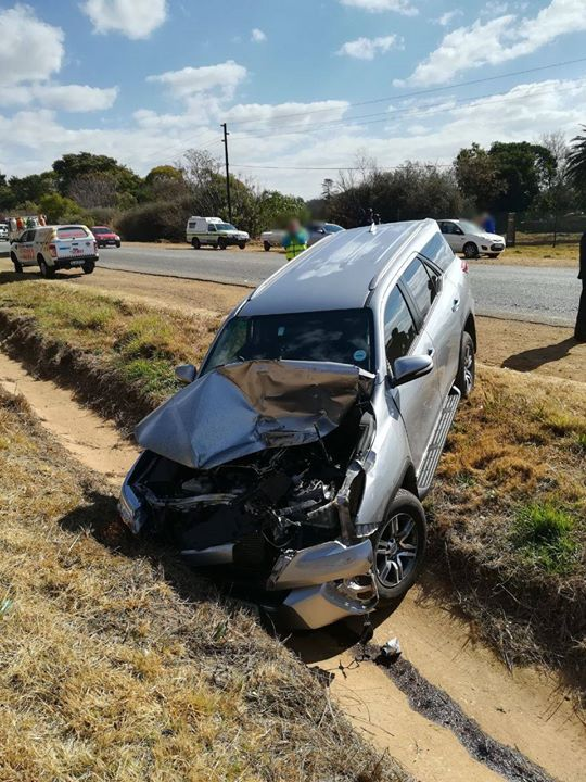36690392_1862463150441479_6910178818179203072_o  Roodepoort: A man in his 40s sustains moderate injuries after his vehicle rear-e… 36690392 1862463150441479 6910178818179203072 o
