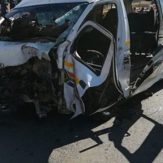 Roodepoort: Two killed and several injured after a bakkie and taxi collided (ear… 37357330 1881567371864390 1097290627172794368 n 320x320