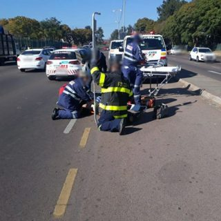 Pretoria: 33-year-old male pedestrian knocked-down on Dr Savage Road in Prinshof… 37544511 1882957391725388 8122868052590067712 o 320x320