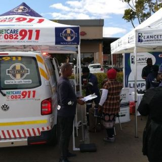 Limpopo: Netcare 911, Netcare Pholoso Hospital & Lancet themed up at Paledi mall… 37582241 1885187924835668 663445994804871168 o 320x320
