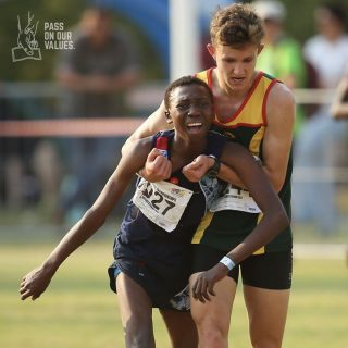 At the SA Cross-Country champs 17-year-old Ronen Oosthuizen gave up his place to… At the SA Cross Country champs 17 year old Ronen Oosthuizen gave up his place to 320x320