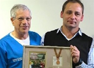 Boffard  'Miracle Man' hands Comrades Marathon medal to trauma surgeon – Medical Brief Boffard