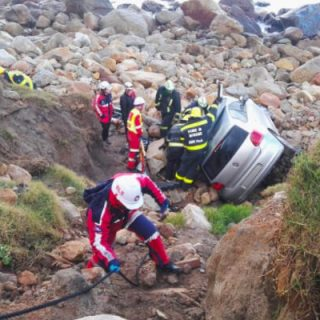 CAMPS-BAY-–-Vehicle-rolls-off-cliff-leaving-man-injured  [CAMPS BAY] – Vehicle rolls off cliff leaving man injured. – ER24 CAMPS BAY     Vehicle rolls off cliff leaving man injured 320x320