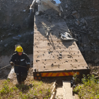 UMKOMAAS-–-Truck-crashes-into-storm-water-drain-killing-two-injuring-three.  [UMKOMAAS] – Truck crashes into storm water drain killing two, injuring three. – ER24 UMKOMAAS     Truck crashes into storm water drain killing two injuring three