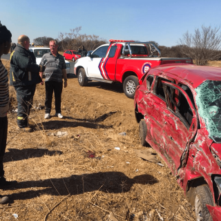 [VEREENIGING] – Truck and car collide leaving four injured. – ER24 VEREENIGING     Truck and car collide leaving four injured