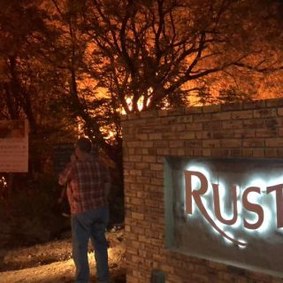 Crusty Koek is NOT on fire guys. It is the neighbours house.  GP, ROODEPOORT, WI… 42160577 2338304236186518 6500029640642396160 n 320x320