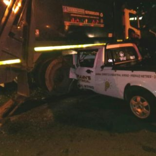 Two Injured In Bakkie Collision: Verulam – KZN Two people were injured after the… 42297449 2121893171162599 7063389948124069888 n 320x320