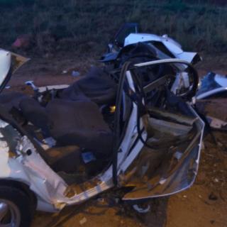 [MORELETA PARK] – Head-on collision leaves three dead, three critical. – ER24 MORELETA PARK     Head on collision leaves three dead three critical