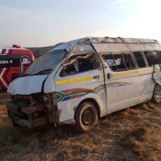 [POTCHEFSTROOM] – Taxi rollover leaves twelve injured. – ER24 POTCHEFSTROOM     Taxi rollover leaves twelve injured 320x320