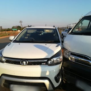Gauteng: Four people sustained minor injuries in a collision between a mini-bus … 43331227 1989819711039155 4280229794328608768 o 320x320