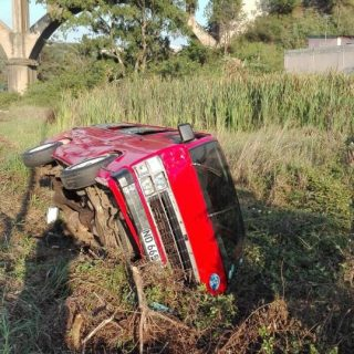 Eight Injured In Taxi Accident:  Canelands – KZN  Two (2) minors, an adult male … 45027876 2175240669161182 7051449685638119424 n 320x320