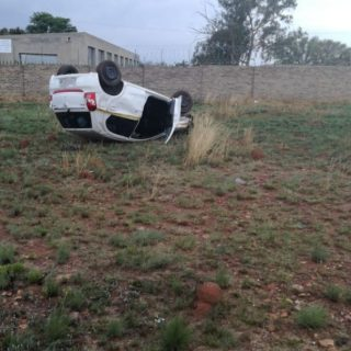 Gauteng: One person sustained minor in a single vehicle rollover on Robert Broom… 45066213 2026459077375218 6219959320100995072 o 320x320