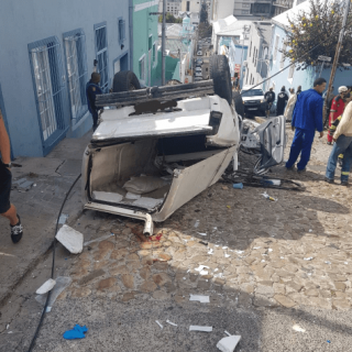 [BO-KAAP] – Bakkie rollover leaves seven injured. – ER24 BO KAAP     Bakkie rollover leaves seven injured