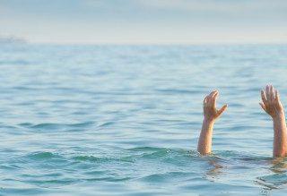 [KENSINGTON] – Child left critical after non-fatal drowning. – ER24 20 320x219