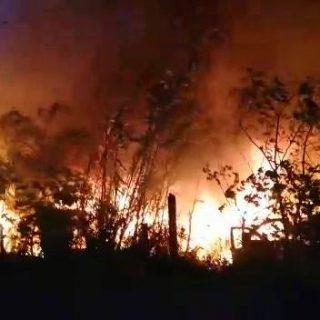 Scrapyard On Fire:  Canelands – KZN  At 04:26 this morning (Wednesday) Reaction … 45490197 200048217594031 3947090222222671872 n 320x320