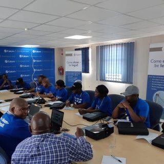 #EskomLimpopo Retail Manager L Mothogoane briefing the media in @CDMunicipality … 46390612 2508687549157974 3007861899145510912 n 320x320