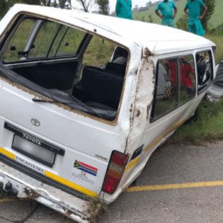[INCHANGA] – Taxi rollover leaves eighteen injured. – ER24 INCHANGA     Taxi rollover leaves eighteen injured
