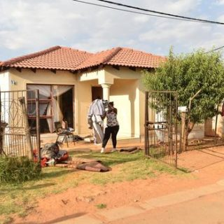 How the Vlakfontein 'killer' was captured | The Star Vlakfontein family murder Father inconsolable after mortuary visit IOL News 320x320