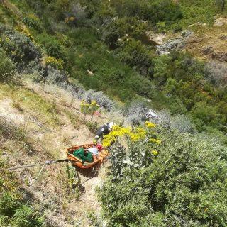 [DU TOITSKLOOF PASS] Three injured after truck crashes down embankment – ER24 WhatsApp Image 2018 11 12 at 17
