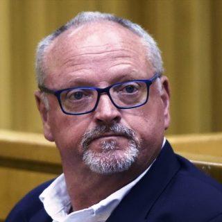 'I crave raw primal sex': Murder accused Packham's e-mail to a friend    I crave raw primal sex    Murder accused Packham   s e mail to a friend 320x320