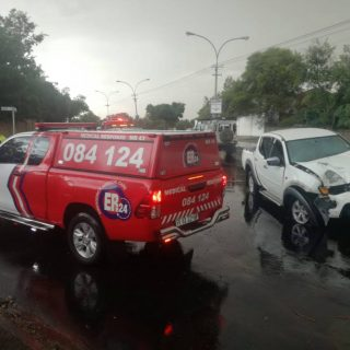 One man sustained serious injuries when his bakkie crashed into a tree on Kennet… 47276781 2058008044260549 1377183483960492032 o 320x320