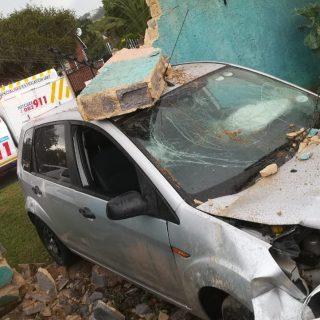 Gauteng: Driver of a light motor vehicle declined ambulance transportation to ho… 48372399 2090396800981445 8882304350257414144 o 320x320