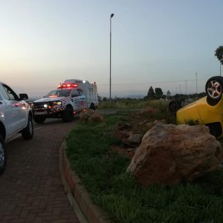 Gauteng: 3 Three adult males have been hospitalised following a single vehicle r… 48398582 2096406370380488 2018075475917668352 n 320x320