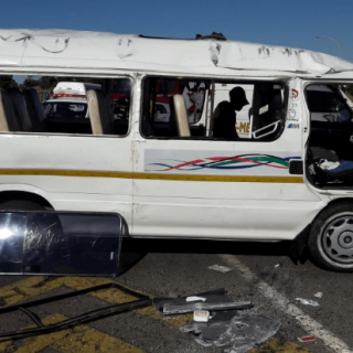 [BENONI] – Taxi and bus collide leaving fifteen injured. – ER24 BENONI     Taxi and bus collide leaving fifteen injured