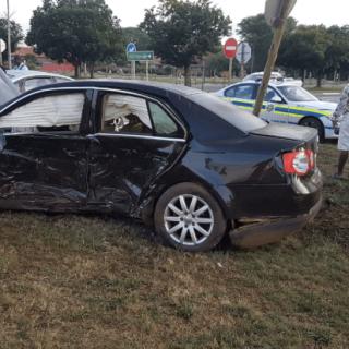 [CARLETONVILLE] – Six injured in two-vehicle collision. – ER24 CARLETONVILLE     Six injured in two vehicle collision 1 320x320