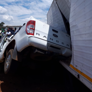 A truck and bakkie collision on the R554 in Eikenhof, Johannesburg left three pe… 51007109 2137753676285985 1261707502886584320 o 320x320