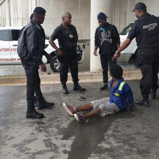 Attempted Murder & Robbery Suspect Arrested: Phoenix – KZN  The suspect (picture… 51221367 2310049642346950 2802022881360347136 o 320x320