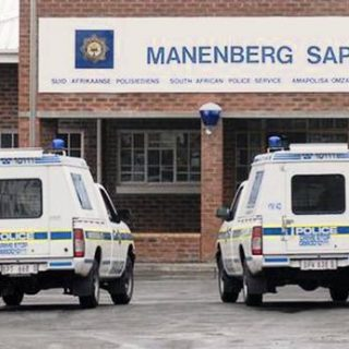 Cape teen hands herself over after allegedly stabbing uncle | Cape Times Cape teen hands herself over after allegedly stabbing uncle 320x320