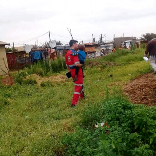 [GRASMERE] – 3-year-old found after alleged hijacking. – ER24 GRASMERE     3 year old found after alleged hijacking