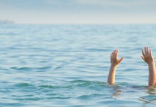 [VICTORIA BAY] – Man declared after fatal-drowning. – ER24 20 320x219