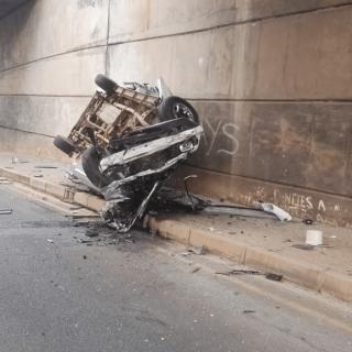 [KRUGERSDORP] – Bakkie crashes off bridge leaving four dead. – ER24 KRUGERSDORP     Bakkie crashes off bridge leaving four dead 1 320x320