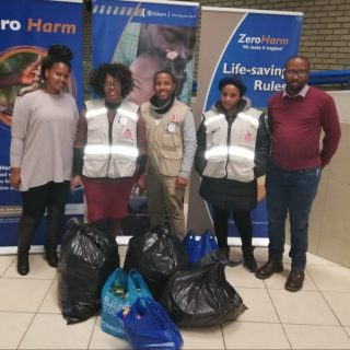 #EskomFreeState staff in Bloemfontein donated food and clothing generously to th… 59764271 2809582379068488 4325722779417575424 n 320x320