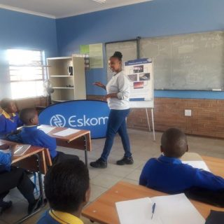 #EskomLimpopo official Linkie Moloto visited Diphofung Primary School in Gedroog… 60447337 2823177841042275 9034515147959304192 o 320x320