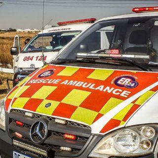 [KNOPPIESLAAGTE] 8 injured in single-vehicle rollover – ER24 Knoppieslaagte 320x320