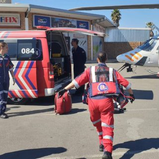 [ROODEPOORT] Cyclist airlifted after collision with truck – ER24 ONT 1 320x320