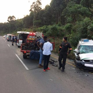 [UMKOMAAS VALLEY] Taxi and bakkie collide, four injured, two entrapped – ER24 WhatsApp Image 2019 05 14 at 17